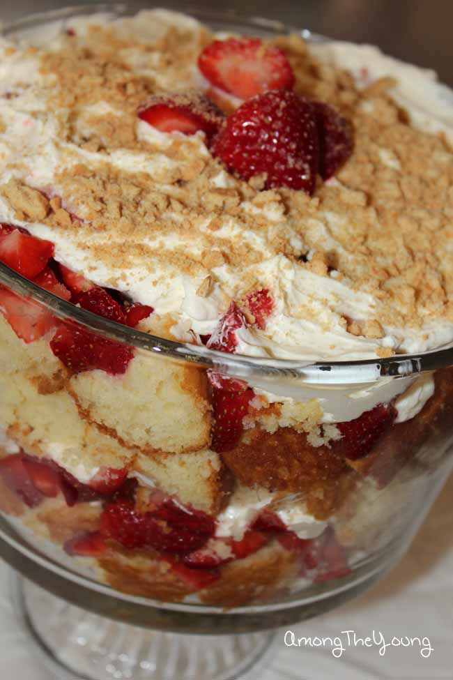 Strawberry Cheesecake Trifle2