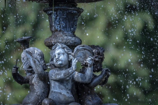 fountain-angel-water-statue-garden-old-greek