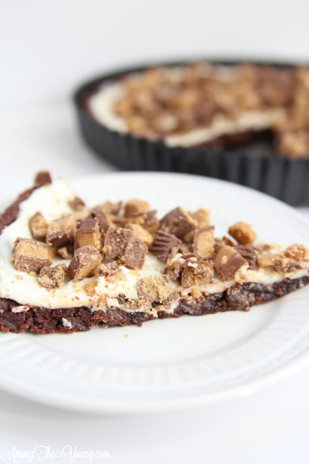 chocolate reese's pizza