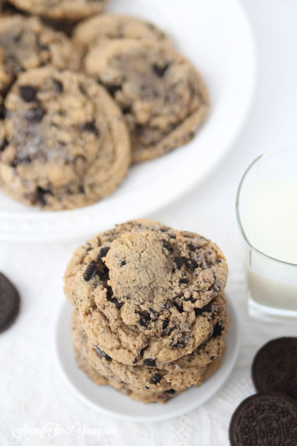 Browned Butter Cookies and Cream Cookies featured by top Utah Foodie blog, Among the Young: image of cookies and milk and Oreos | Browned Butter Chewy Cookies and Cream cookies by popular Utah food blog, Among the Young: image of browned butter cookies and cream cookies.