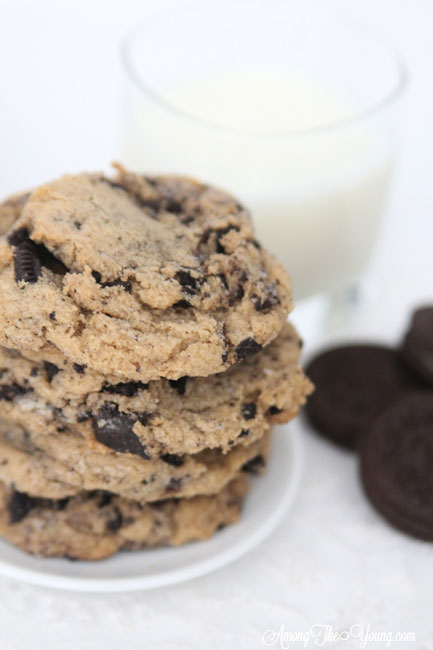Browned Butter Cookies and Cream Cookies featured by top Utah Foodie blog, Among the Young: image of Cookies and Oreos | Browned Butter Chewy Cookies and Cream cookies by popular Utah food blog, Among the Young: image of browned butter cookies and cream cookies.